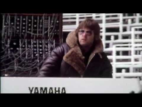 Fanfare for the Common Man - Emerson, Lake & Palmer (Olympic Stadium Montreal) 1977