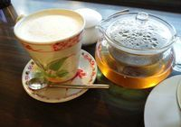 Honohono is a cosy cafe with a warm and friendly atmosphere.
