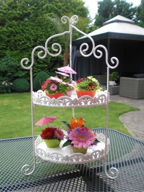 Cupcake bloemschikken, geinig met zo'n parapluutje