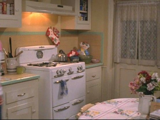 1940s kitchen. This stove needs to find it's way to my house, and fast.                                                                                                                                                      More