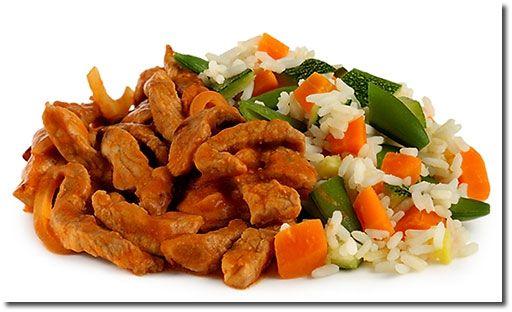 Schweine Geschnetzeltes mit Gemüse Reis