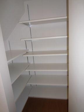 階段下収納 : しろしろハウス : 簡単DIY! 階段下収納のアイデア画像集 ... 出典keihome.exblog.jp. 階段下収納 ...