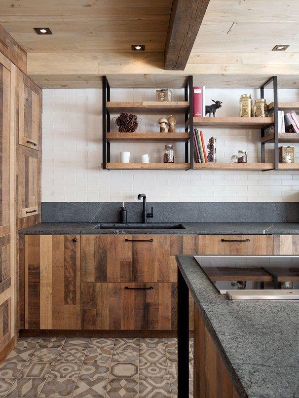 грубая деревянная кухня от шеф-повара