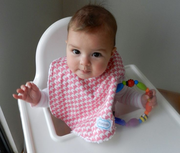Gorgeous pink & white bib in Houndstooth Unicorn print from Littletreez