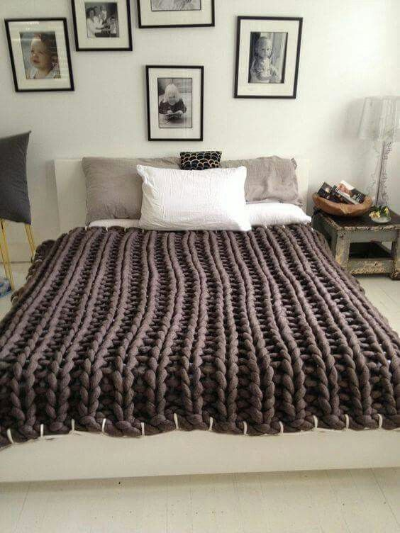 Large Knitting Blankets : Best images about piecera on pinterest ruffle duvet