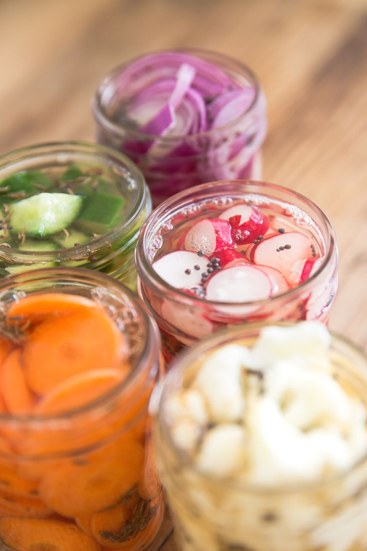 How To Pickle Vegetables-A great way to use up veggie's that are hanging out in the bottom draws of your fridge!