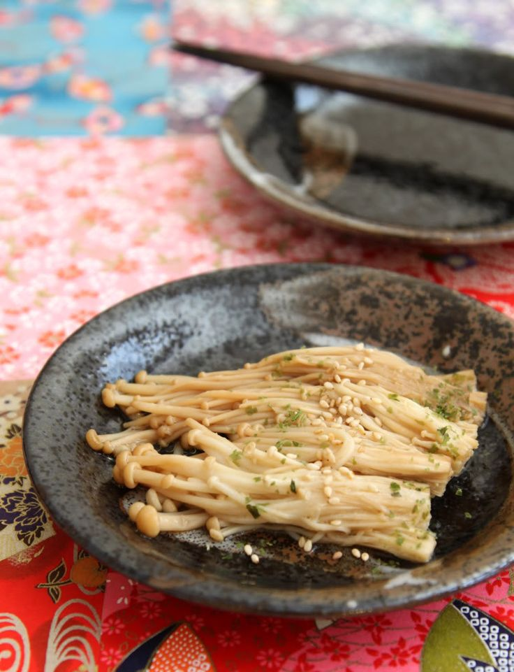 Baked Buttered and Garlicky Enoki Mushrooms