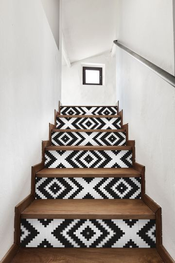 Dreamy geometric pattern on these stairs #fabulousfloors #pattern #blackandwhite