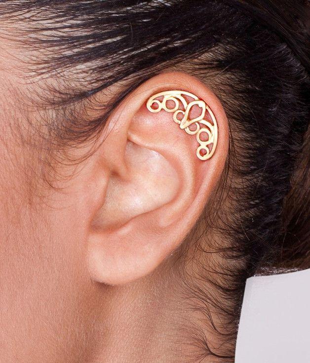 Gesichtspiercings - Vergoldeter keltisch gewundener Ohrpiercing - ein Designerstück von shirli-matatia bei DaWanda