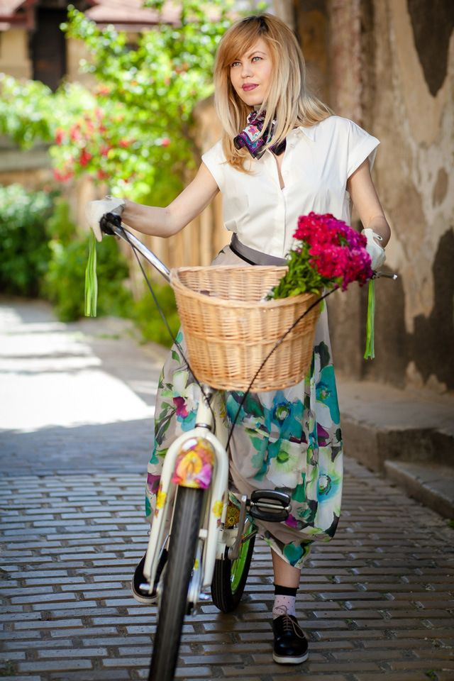 BIKE CHIC | Hats on clouds