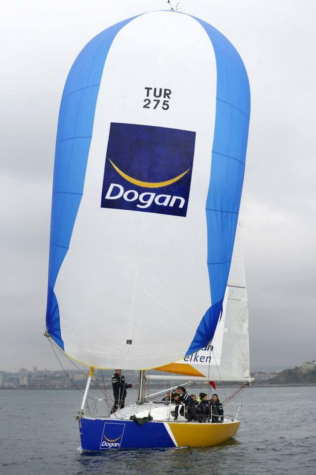 Doğan Yelken - Petek Sınıf / Tekne : IRC 3 / Gorbon 33 Prototip  2014 İYK Trofesi Şampiyonu  2014 İYK İstanbul Trofesi Şampiyonu   Doğan Grubu çalışanlarından kurulu takımdır. Takımın tamamı yelken ve yarış eğitimlerini Alfasail'den almıştır.