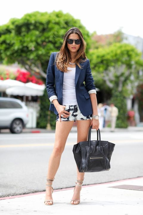 .: Light Pink Blazers, Nice Outfit, Hair Ideas, Girls Crushes, Casual Summer, Celine Bags, Ties Dyes Shorts, Street Style, Prints Shorts