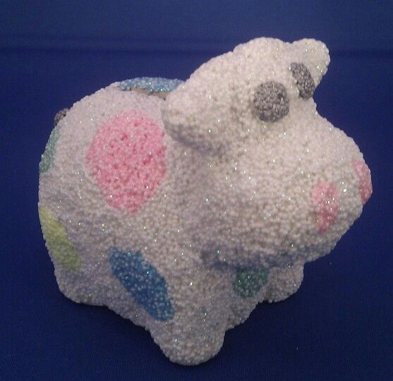 Spaarpot versierd met foamklei. (Savingbank decorated with foamclay)