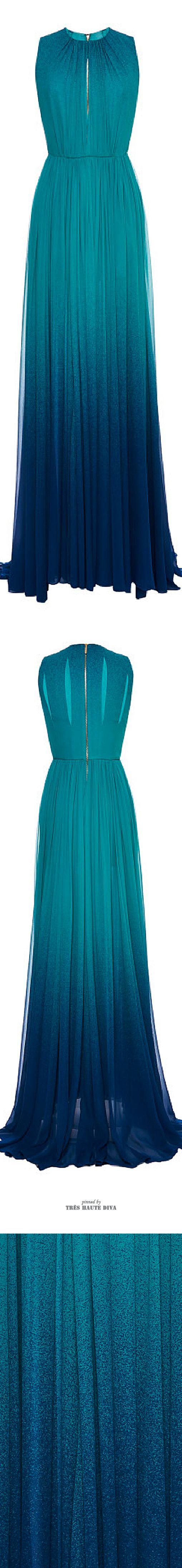este vestido se puede convertir en cualquier otro vestido segun la ocasion con solo con apretarle un boton