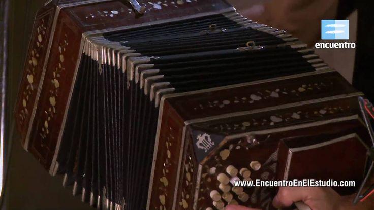 Un tanguito diferente. Maravilloso. Gustavo Santaolalla + Bajofondo  - Pa Bailar (...
