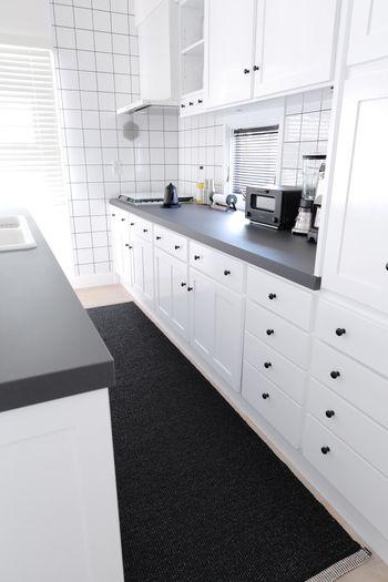 皆さんの素敵な暮らしをお手本に。キナリノ的「北欧インテリアブログ ... オシャレなホワイトベースのキッチン。とっても清潔感あふれる爽やかな雰囲気ですよね