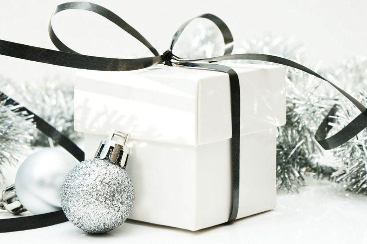 Neues Jahr, Neujahr, Weihnachten, Weihnachten, Urlaub, weiße Perlen, Silber, Etui, Multifunktionsleiste Vektorgrafik - ForWallpaper.com