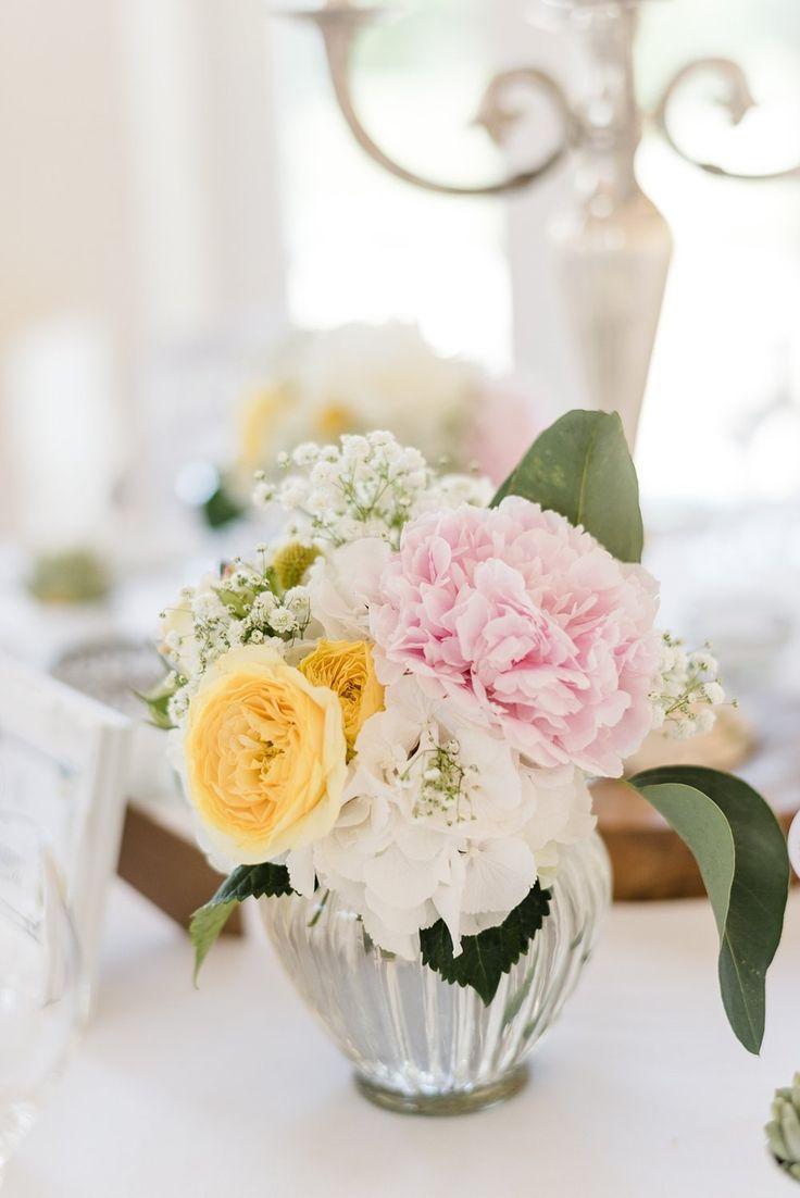 Weiße Hortensien, Gelbe Rosen, Gartenrosen, Pfingstrosen rosa, Schleierkraut, Sommerblumen, Hochzeitsblumen. Von Anmut und Sinn