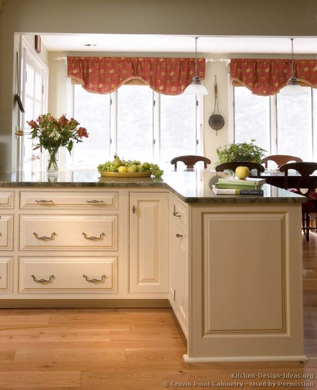 Stylish Two Tone Kitchen Cabinets For Your Inspiration: 78+ Images About Antique White Kitchens On Pinterest