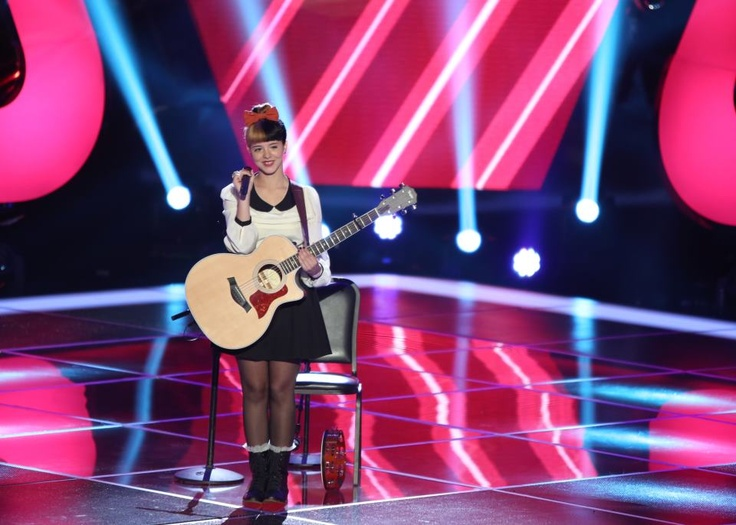 Melanie Martinez at The Voice US season 3 singing toxic by Britney Spears    #MelanieMartinez #TheVoiceUS