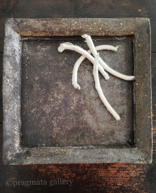 """Impasto²"" Ceramic platter by Katsumi Machimura. 「インパスト²」 大皿、町村勝己。"
