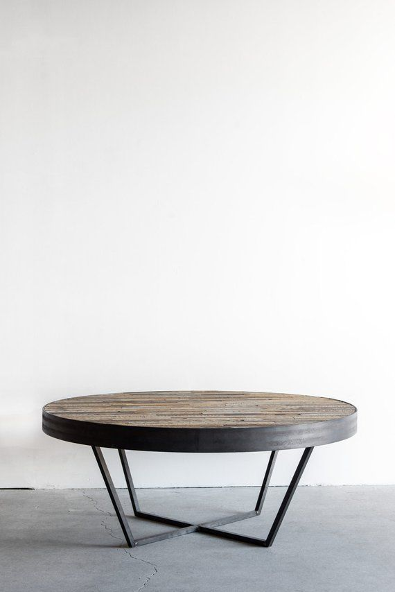 Reclaimed Wood Round Coffee Table Patchwork Design Etsy Table Basse Bois Table Basse Table Basse Ronde