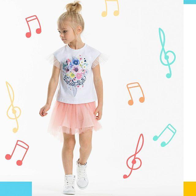 Капсула Summer Melody by Silver Spoon Casual - придумайте вашу собственную летнюю модную мелодию вместе с нами😉 В этом году наши дизайнеры очень постарались и создали яркую, легкую, веселую, стильную и красивую коллекцию, все элименты которой органично соединяются👌    Коллекция представлена в наших магазинах #SilverSpoon, а также в магазинах #СТОКМАНН, #Винни, #ТиллиСтилли и других!🌟 ⭐⭐⭐  Примите участие в нашем конкурсе репостов и выиграйте комплект для вашего ребенка к летнему сезону…