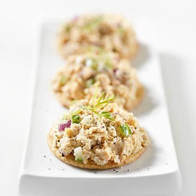 Canned tuna on whole-wheat crackers, 1 of 20 snacks that burn fat | health.com