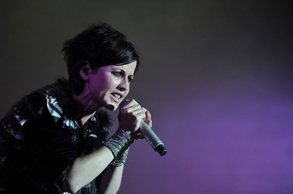 Dolores O'Riordan Photos - Irish singer Dolores O'Riordan of Irish band The Cranberries performs on stage during the 23th edition of the Cognac Blues Passion festival in Cognac on July 07, 2016. / AFP / GUILLAUME SOUVANT - Dolores O'Riordan Photos - 2 of 37
