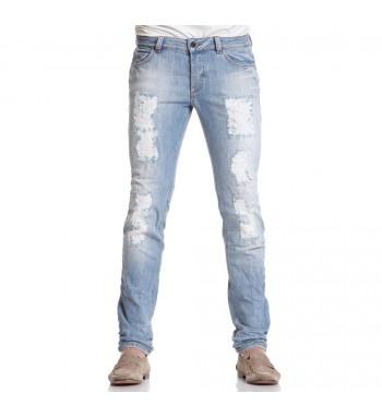 Stone washed jeans with rips. http://shop.mangano.com/en/tr/16043-pantalone-montreal-lav-v23.html  #pants #denim #fashion #menswear #men