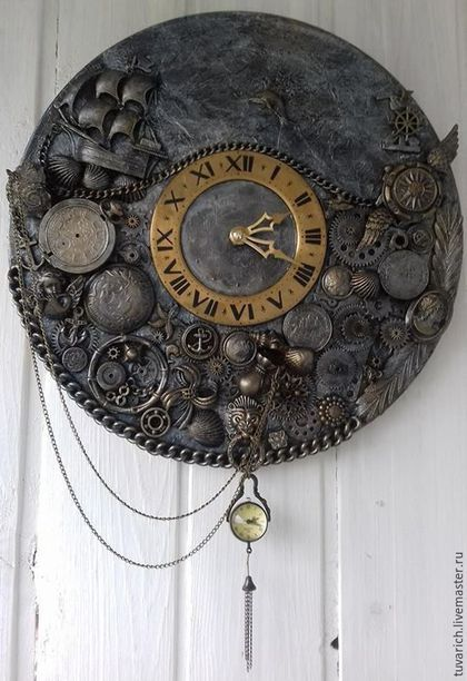 Купить или заказать Часы стимпанк (steampunk) -Слышишь море, я скучаю по тебе. в интернет-магазине на Ярмарке Мастеров. МОИ часы (как мне кажется) - не выглядят ни дешево, ни вызывающе дорого, ни вызывающе брутально. Часы в стиле STEAMPUNK (стимпанк) на вашу тему.........Часы сделаны на пластинке, усилены деревянной заготовкой. Детали: шестеренки, стрелочки, винтики, шпунтики, болтики, значки, брошки, сережки..