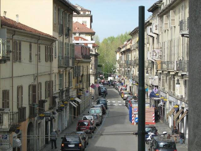 Via Monferrato, a destra della Gran Madre