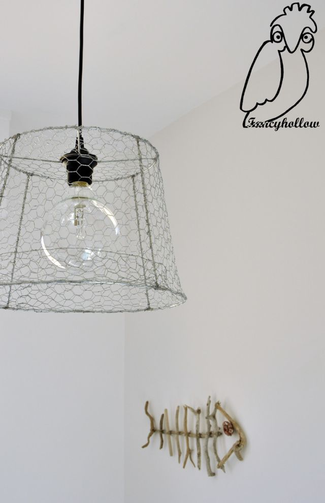 #Lampadario di #rete da #conigliera, #chicken #wire #chandelier
