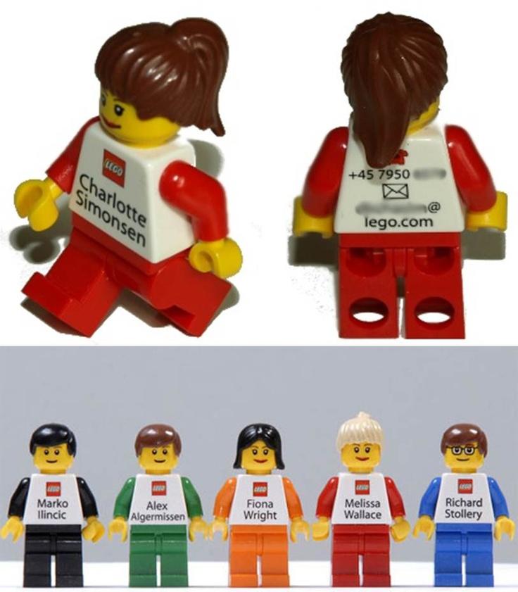 Me encantan estas tarjetas de los empleados de LEGO