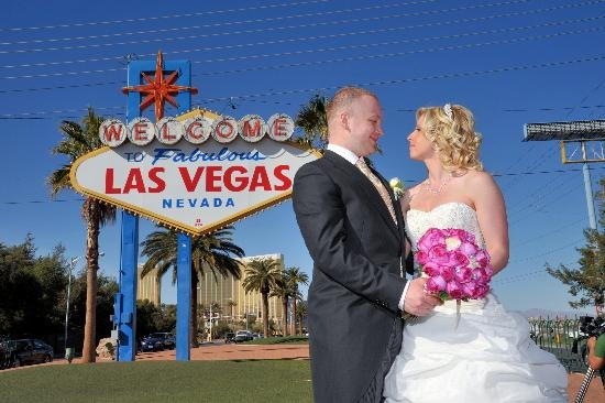 17 best images about lizette39s vegas wedding on pinterest for Las vegas wedding online