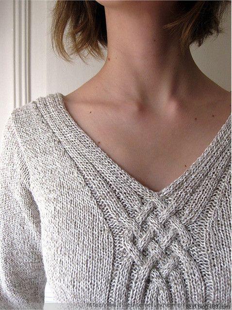 Пуловер с V-образным вырезом спицами. Пуловер с кельтским узором спицами |