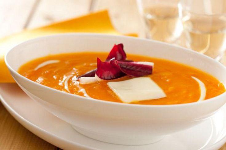 Crema di carote con radicchio croccante