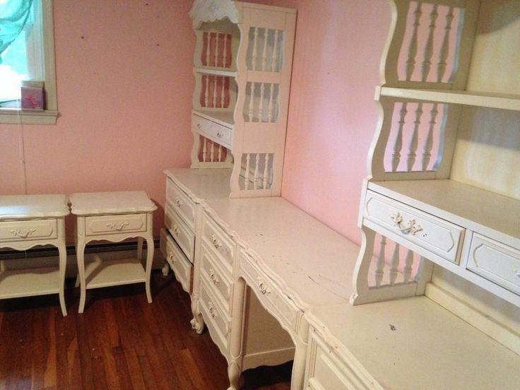 Girls Antique 8 Piece White Bedroom Furniture Set   PRICE REDUCED