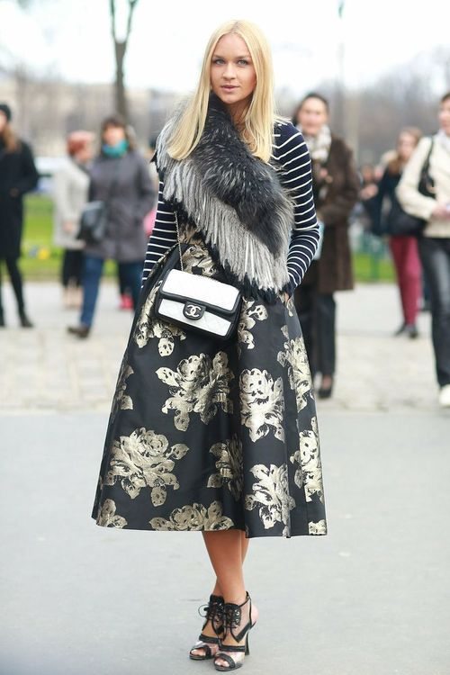 fem with edge: Midi Skirts, Full Skirts, Outfits, Floral Patterns, Chanel Bags, Paris Fashion Week, Street Style, Mixed Prints, Stripes