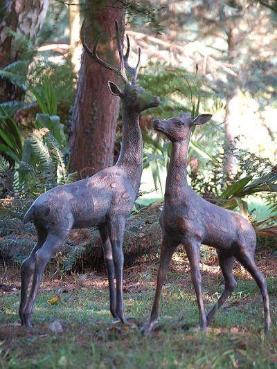 Perfect For In Your Garden! Two Extra Large Deer Set Of Metal Garden  Ornaments For