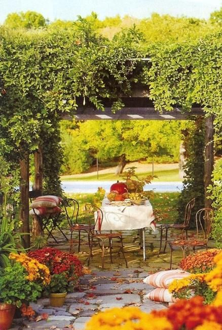 Fall Backyard Ideas : outdoor seating areas, patio designs and backyard ideas for fall