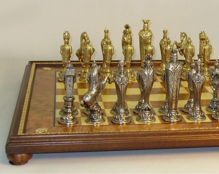 Ital Fama Renaissance Men on Gold Trim Board Chess Set