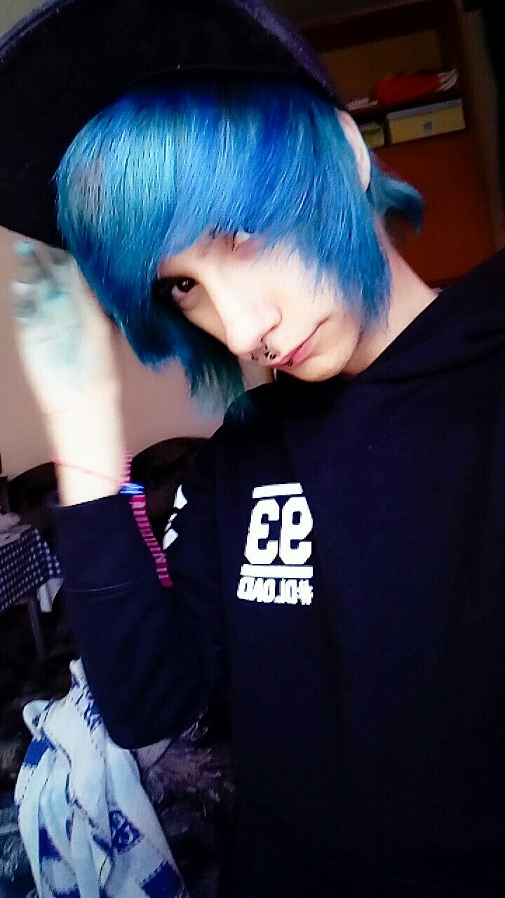 Zak Skyline scene emo goth grunge bands  dyed hair alternative piercings alternative septum beautiful beauty bodymods kawaii depressed goth