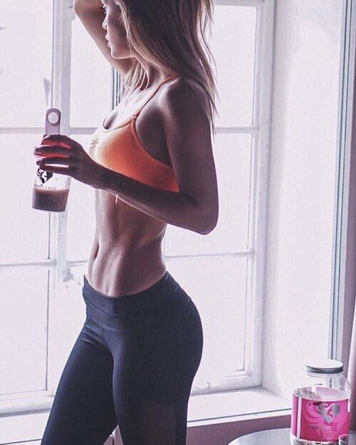 Having a awesome physique is not a rocket science.Focus on fitness consistently and healthy eating, you can have it. http://amzn.to/2s1tGlK