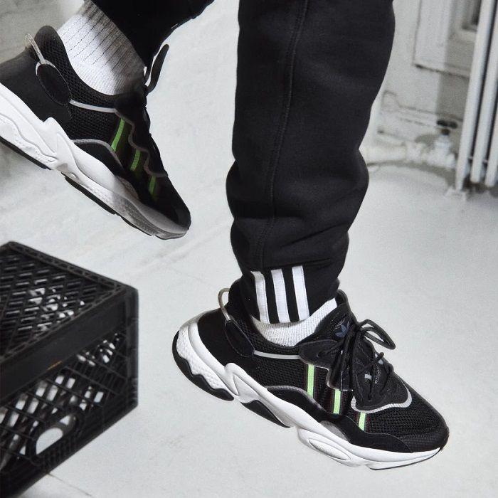 Adidas Originals Ozweego nero EE7002 NERO pas cher - Baskets ...