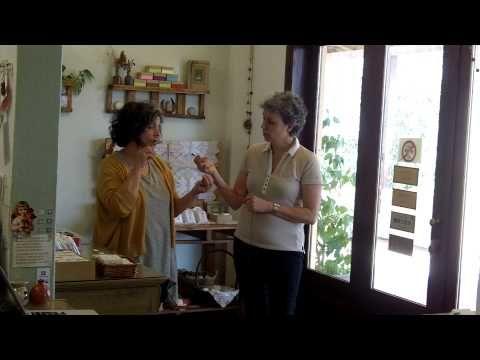 Zelfgemaakte natuurlijke biologische zeep maken van bio olijfolie