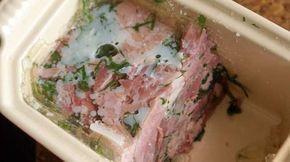 * TERRINE DE JARRET DE PORC AUX HERBES: - Pour 2 terrines de jarret de porc de 0.6 litre 1 beau jarret arrière demi-sel - une belle tranche de palette demi-sel -1 pied de porc - 2 oignons cloutés (girofle) - 3 carottes - 2 navets - 2 gousses d'ail - 10 baies de poivre en grains - 2 blancs de poireaux - une belle branche de thym et 3 feuilles de laurier - persil plat ou coriandre.