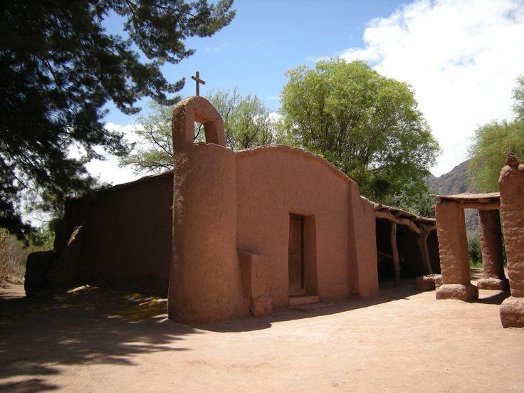 Ruta del Adobe, Catamarca, capilla de los Orquera. Camino a Fiambalá.  http://www.turismoruta40.com.ar/fiambala.html