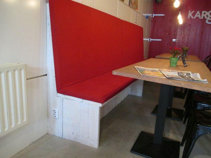Keukenbank Hoge Rode Rug
