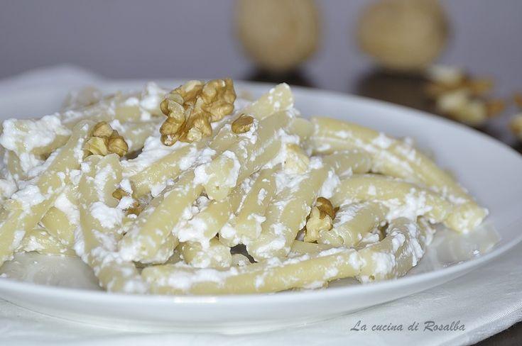 Pasta con ricotta e noci   #ricetta #gialloblogs #lacucinadirosalba